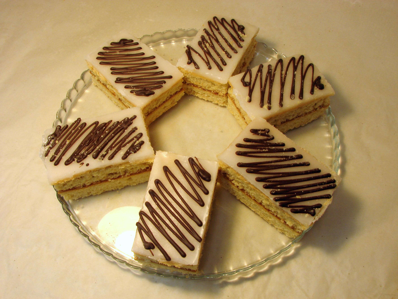 Глазированное пирожное