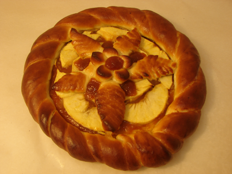Пирог с яблоком и конфитюром